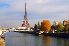 Du thuyền dọc sông Seine khám phá nước Pháp thơ mộng