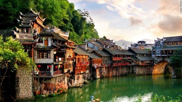Du lịch Phượng Hoàng cổ trấn – trải nghiệm mới đầy thú vị