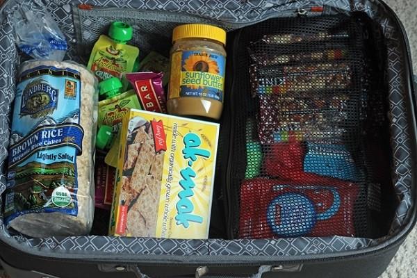 Chuẩn bị đồ dùng cho bé đi du lịch khoa học và đầy đủ