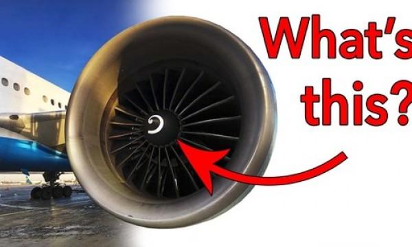 Ý nghĩa vòng xoáy trên cánh quạt máy bay ít người để ý