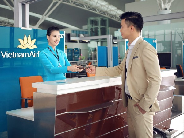 Hành khách là người lớn hoặc trẻ em, em bé khi đi máy bay thì cần những loại giấy tờ tùy thân nào?