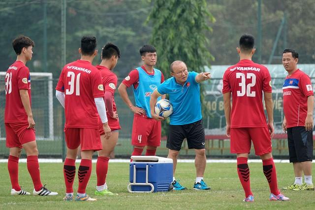 Hãng hàng không Vietjet miễn phí một năm bay cho U23 Việt Nam Vietjet sẽ miễn phí một năm trên 76 đường bay nội địa và quốc tế cho huấn luyện viên và các cầu thủ đội tuyển U23 Việt Nam.