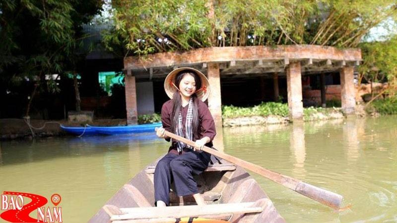 Chèo thuyền hoạt động mang đậm chất miền Tây