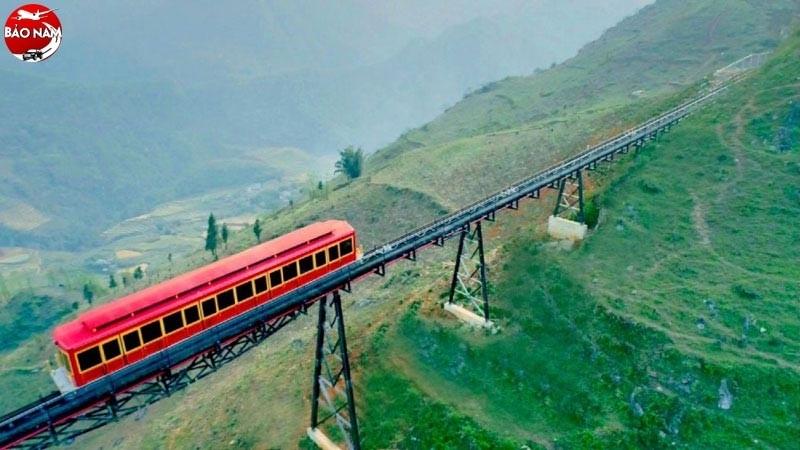 Hãy thử một lần khám phá vẻ đẹp thung lũng Mường Hoa từ trên cao -3